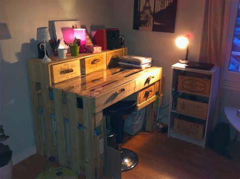 un bureau faire un bureau avec des palettes en bois ciabiz com