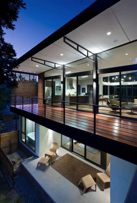 Moderne Häuser Balkon by Balkongel 228 Nder Aus Flachstahl In Schwarz F 252 R Ein Modernes