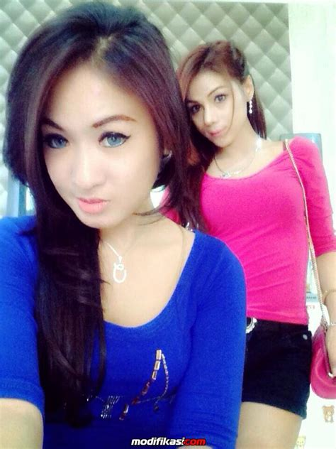 Selfie Foto Cewek Abg Igo Seksi Pamer Toket Montok