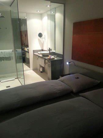 chambre avec salle de bain ouverte picture of innside by