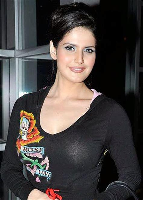 zarine khan hot  bikini pics latest hd wallpapers