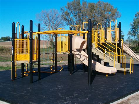 recent playground installations 388 | Oxford%20Junction%20Elementary%20with%20Sof'Tile