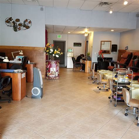 Modern nail spa, fast friendly service. In Style Nails - Nail Salon in Tampa