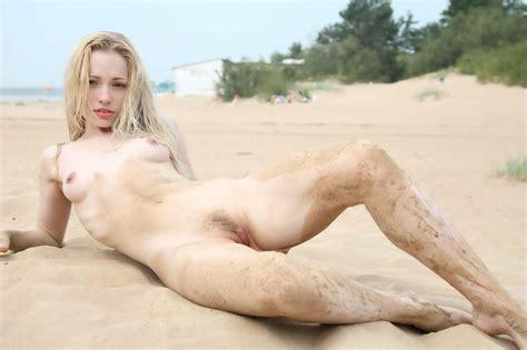 Olya In Gallery Olya Hot Flat Blonde Posing