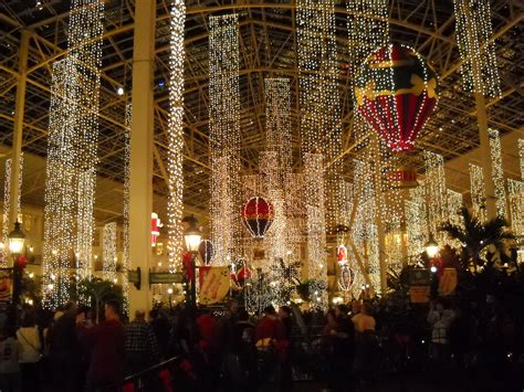 opryland hotel lights 10 of the best lights displays in the south