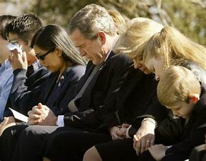 PRESIDENT BUSH PRAYS WITH FAMILY MEMBERS OF ASTRONAUTS AT ...