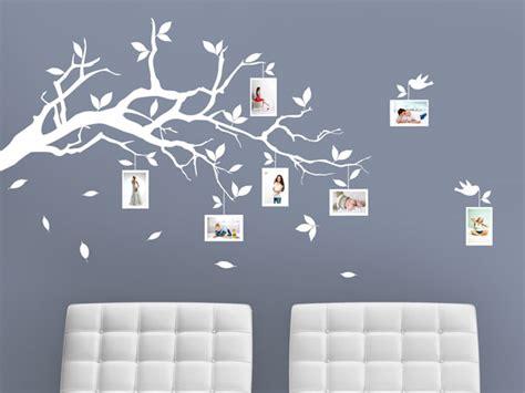 Bilder An Der Wand Anordnen by Passende Fotorahmen Finden Und Fotos Richtig Anordnen