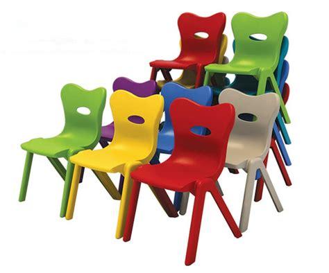 peindre chaise de jardin en plastique peindre une chaise en plastique de jardin ciabiz com