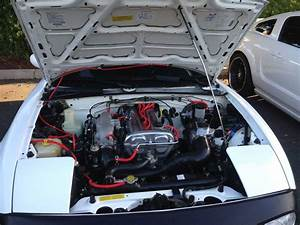 Na Engine Bay - 1992 Crystal White