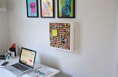 comment mettre un pense bete sur le bureau tableau liège mural à faire soi même 30 idées de bricolage