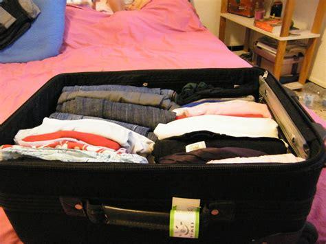comment bien ranger sa valise comment bien ranger sa valise 28 images l essentiel dans sa valise mit diesem trick packt