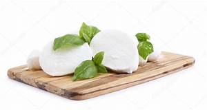 Planche De Bois Blanc : d licieuse mozzarella au basilic sur planche de bois isol sur blanc photographie belchonock ~ Voncanada.com Idées de Décoration