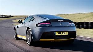 Aston Martin V12 Vantage S : 2017 aston martin v12 vantage s wallpapers hd images wsupercars ~ Medecine-chirurgie-esthetiques.com Avis de Voitures