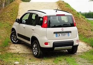 Petite Voiture Haute Et Confortable : essai fiat panda 4x4 0 9 twinair 85 ch test auto ~ Gottalentnigeria.com Avis de Voitures