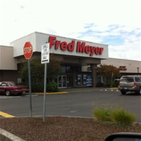 fred meyer lava ls fred meyer 24 reviews department stores 3740 market