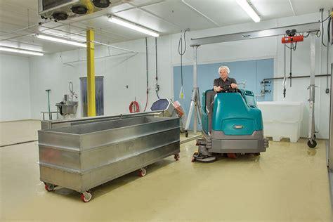 Tennant 17 Floor Machine by Tennant T17 Rider Floor Scrubber 4