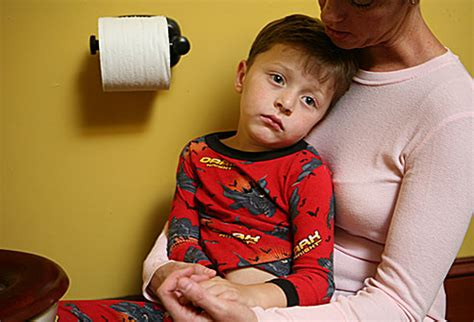 slideshow healthy digestion for children what you 423   webmd photo of sick child near toilet