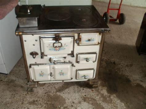cuisine au four à bois cuisiniere ancienne clasf