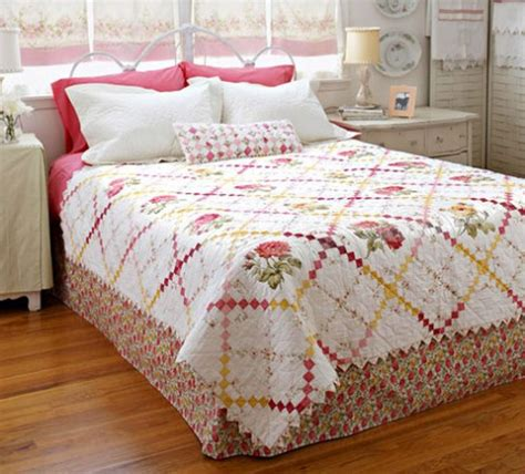 Bed Quilts by Quilting Patterns And Tutorials Sweet Retreat Bed Quilt