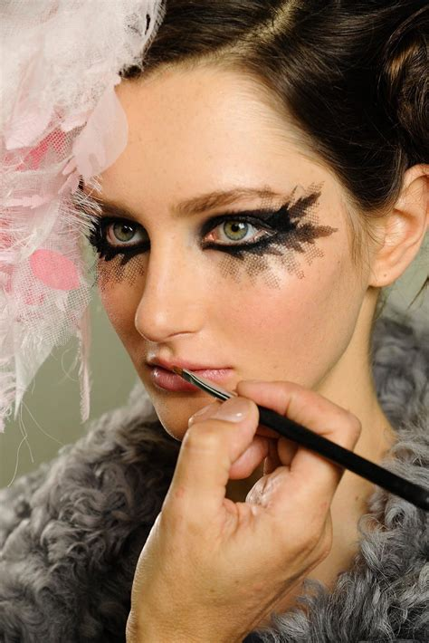 runway beauty gothic smudgy eye  chanel spring