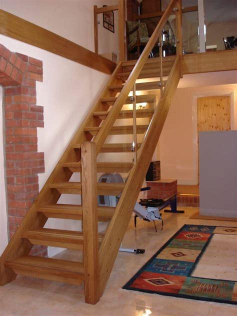 escada de madeira  modelos  se inspirar dicas de