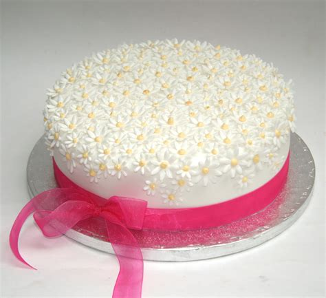 easy cake simple birthday cake decorating ideas cakes pinterest daisy cakes cake birthday and