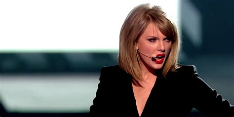 taylor swift mashup proves blank space  style