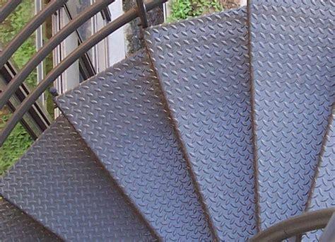 escaliers m talliques contemporains m tal concept quimper marche d escalier en acier