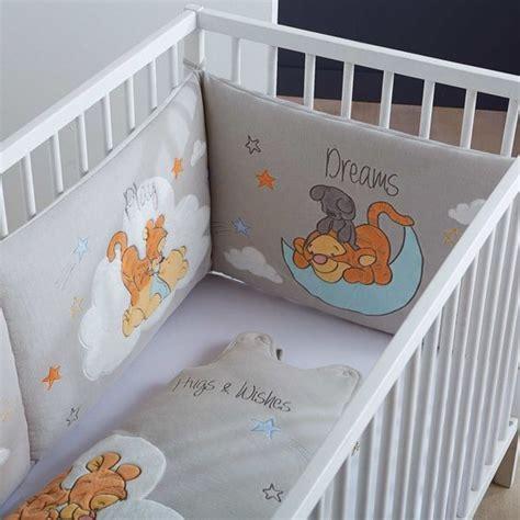 chambre bébé tigrou accueil bébé garçon tour de lit tour de lit brodé winnie