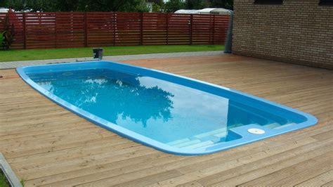 Garden & Swimming Pool Wooden Floor Light Wooden Fence