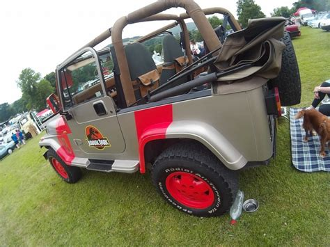 jeep wrangler yj  sahara edition jurassic park