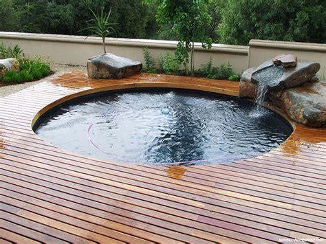 gambar kolam renang  lahan sempit tetep cucok