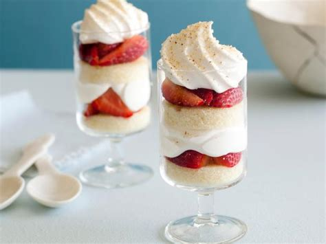 individual trifle recipes individual strawberry trifles recipe giada de laurentiis food network