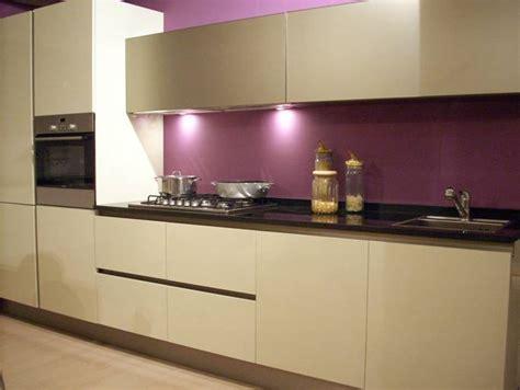 peinture aubergine cuisine conseil peinture salon cuisine