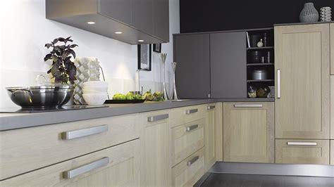 plan de travail cuisine quartz blanc davaus modele cuisine plan de travail avec des