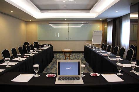 tirai office pengaturan tempat dan bentuk ruangan meeting