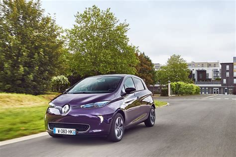renault purple 2018 renault zoe has more power looks awesome in purple