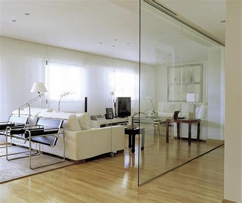 separadores de ambientes de cristal son tendencia