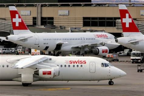 siege swiss une rixe dans un avion causée par un dossier de siège 04