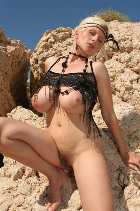 Sexy Busty Cassandra Boobdude