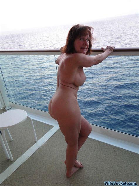 Wifebucket Mature Naked And Shameless