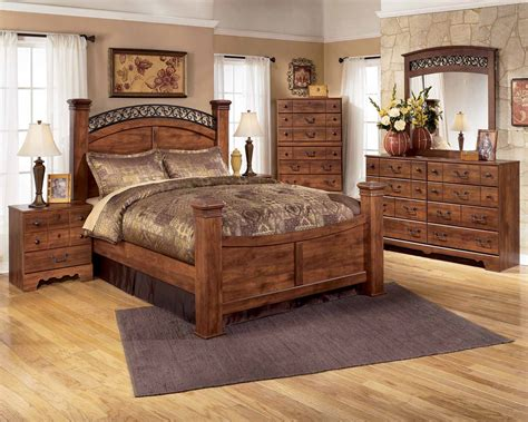 Size Poster Bedroom Sets by Timberline 4 Poster Bedroom Set In Cherry