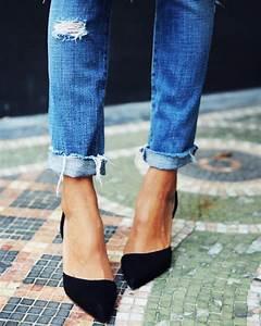 Jean Effiloché En Bas : mode jeans apr s la tendance des jeans trou s voici les jeans au bas effiloch ~ Dallasstarsshop.com Idées de Décoration