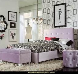 Paris Themed Bedrooms Photo