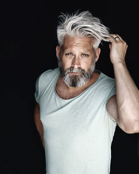 Model Swede grey hair 40+ beard man male manly fit over 40