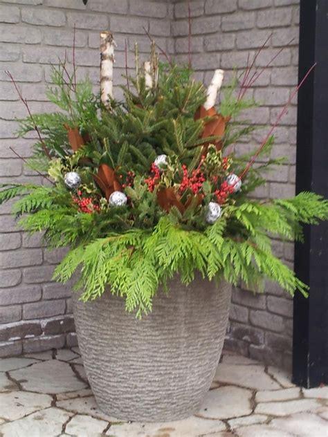 64 best christmas all seasonal planters decorating