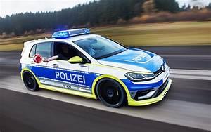 TUNE IT! SAFE! Der neue Polizei Golf steht auf der EMS ...