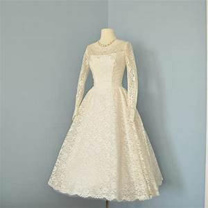 vintage wedding dressbeautiful 1950s cream lace tea length With cream lace wedding dress