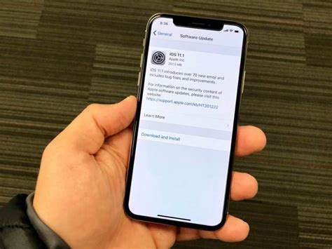 apple iphone update apple rolls out ios 11 1 1 update which removes two 10142