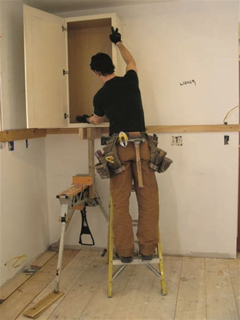 Kitchen Cabinet Installation by How To Install Kitchen Cabinets House